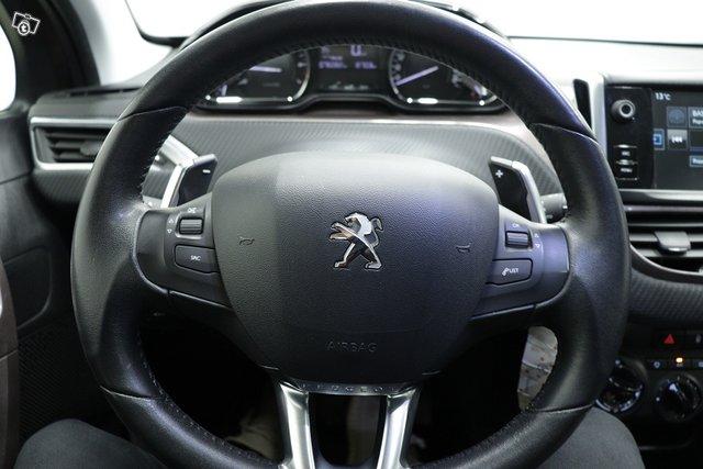 Peugeot 2008 13