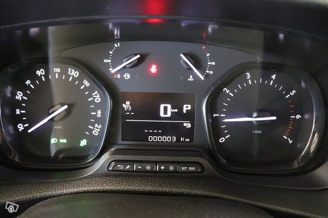 Peugeot EXPERT 13