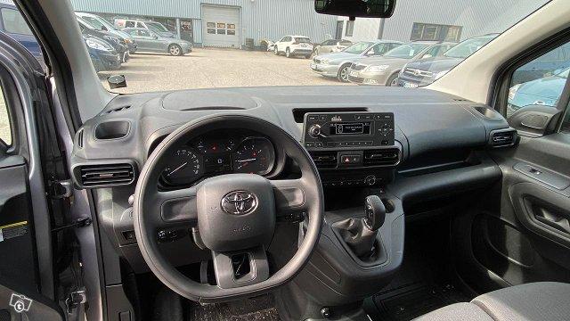 Toyota Proace CITY 8