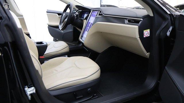 Tesla Model S 15