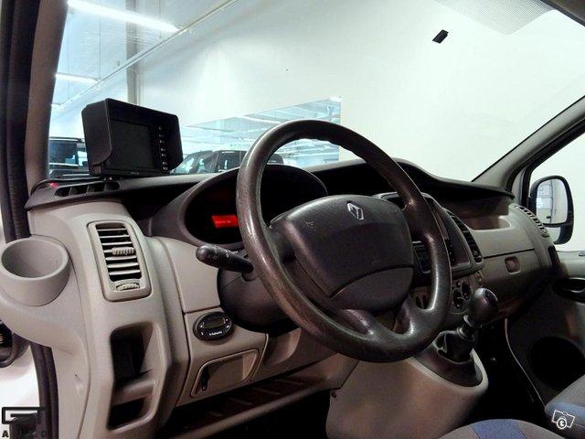 Renault Trafic 8