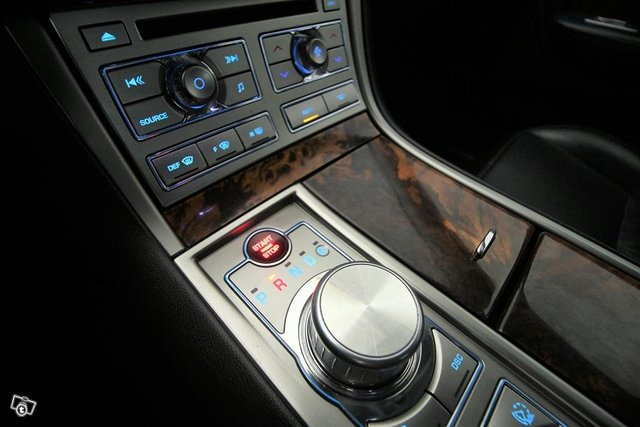 Jaguar XF 13