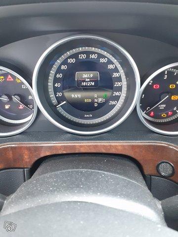 Mercedes-Benz E 200 CDI 8
