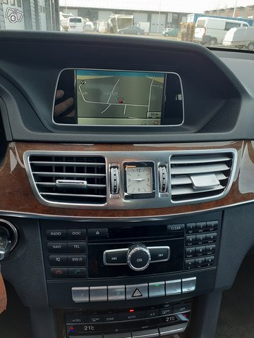 Mercedes-Benz E 200 CDI 11