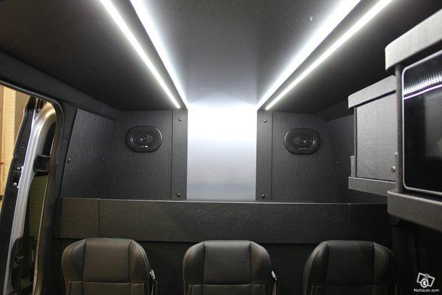 Mercedes-Benz Sprinter 19