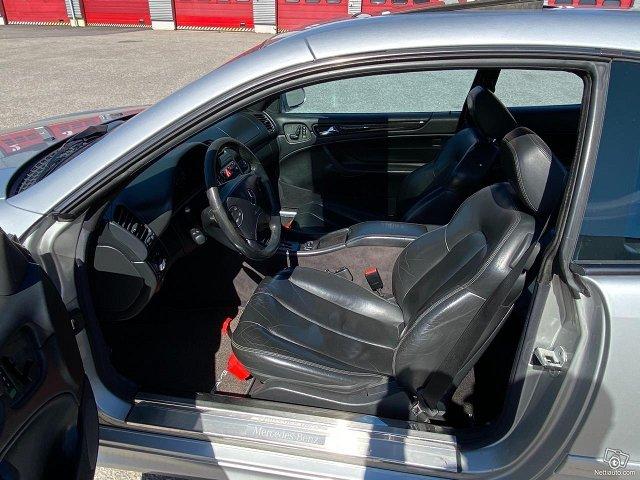 Mercedes-Benz CLK 55 AMG 5