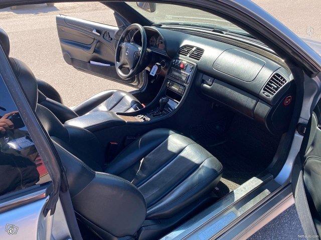 Mercedes-Benz CLK 55 AMG 8