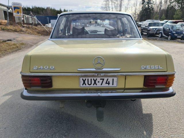 Mercedes-Benz 115 12