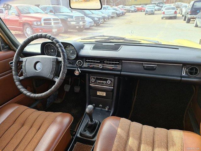 Mercedes-Benz 115 22