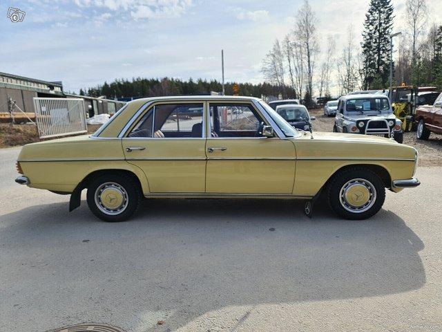 Mercedes-Benz 115 24