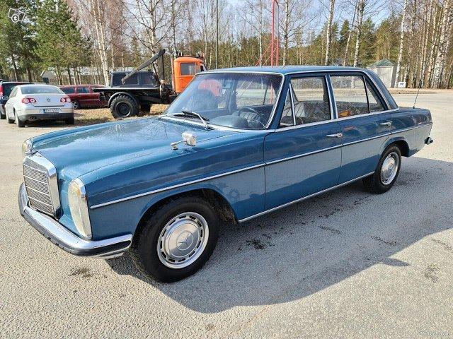 Mercedes-Benz 115 4