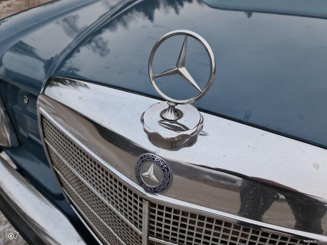 Mercedes-Benz 115 9