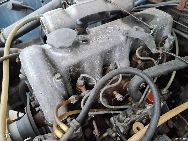 Mercedes-Benz 115 18