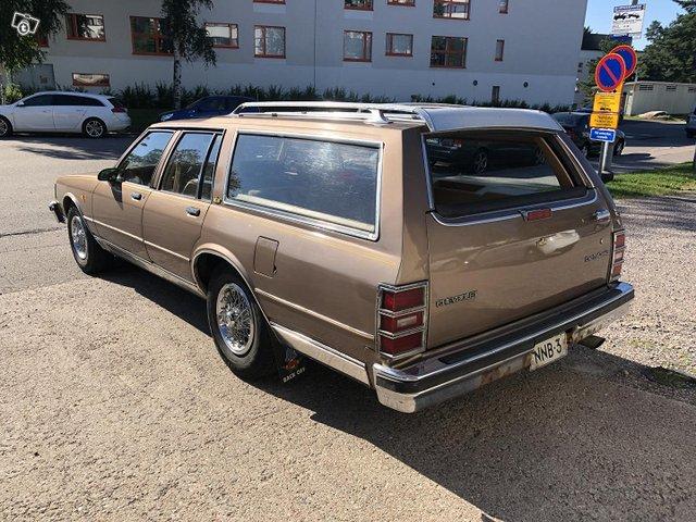 Chevrolet Caprice 2