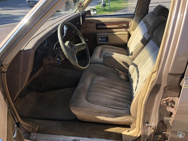 Chevrolet Caprice 10