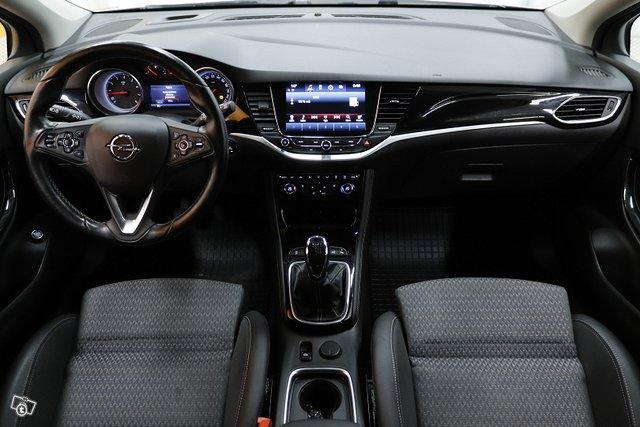 Opel Astra 9
