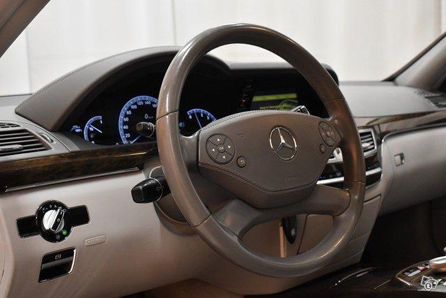 Mercedes-Benz S 22