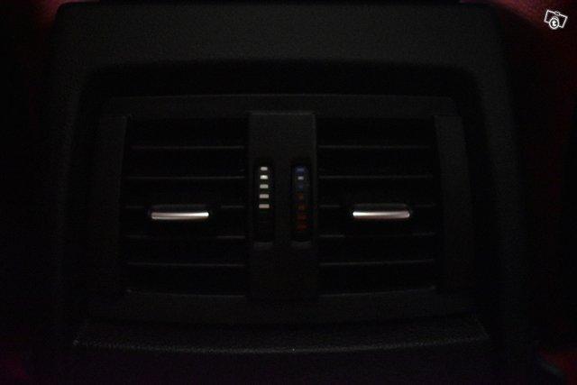 BMW 330 23