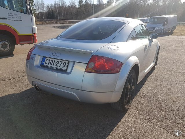 Audi TT 8