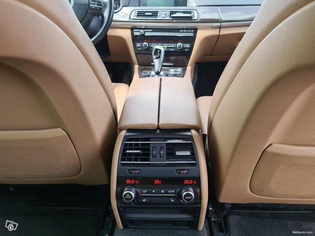 BMW 740 23
