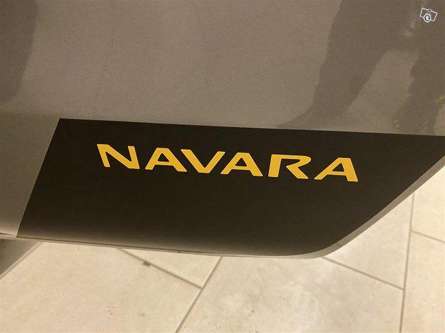Nissan Navara 25