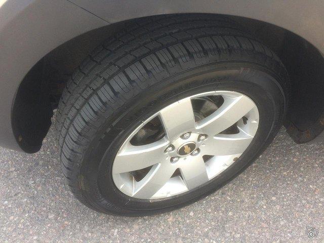 Chevrolet Captiva 11