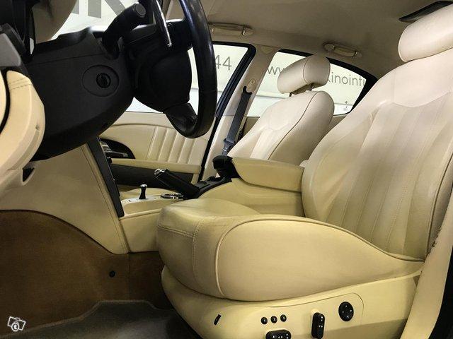 Maserati Quattroporte 10