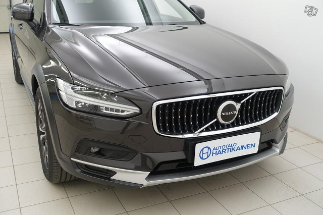 Volvo V90 CROSS COUNTRY 2