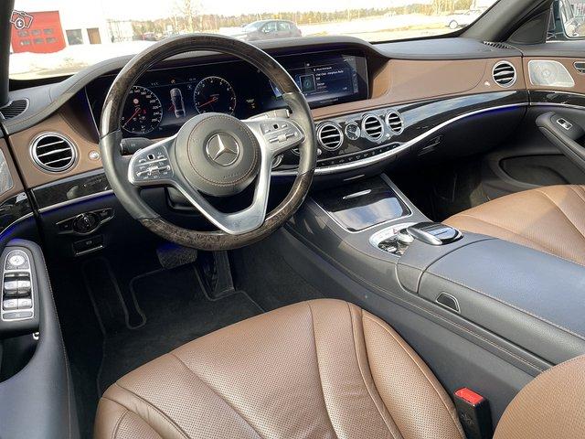 Mercedes-Benz S 560 4MATIC 9