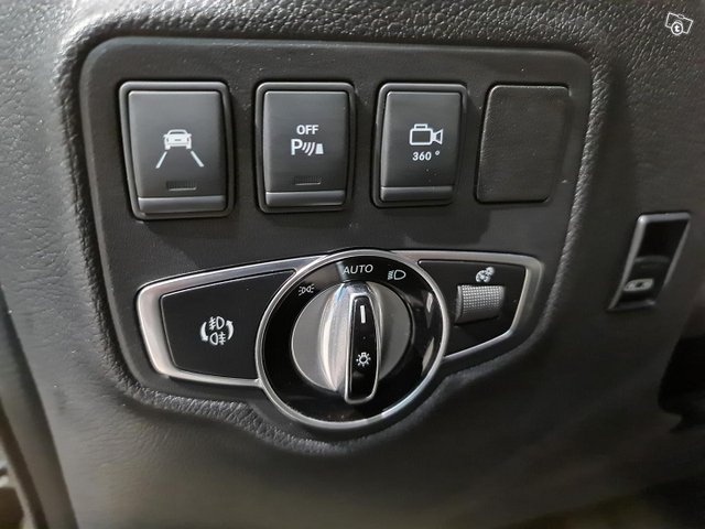 Mercedes-Benz X 9