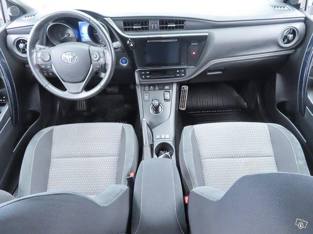 Toyota AURIS 12
