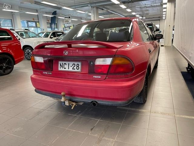 Mazda 323 4