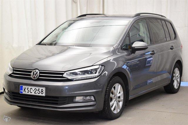 Volkswagen Touran 1