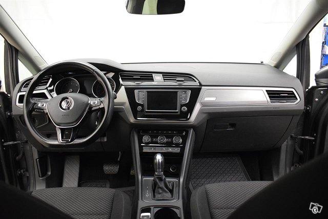 Volkswagen Touran 6