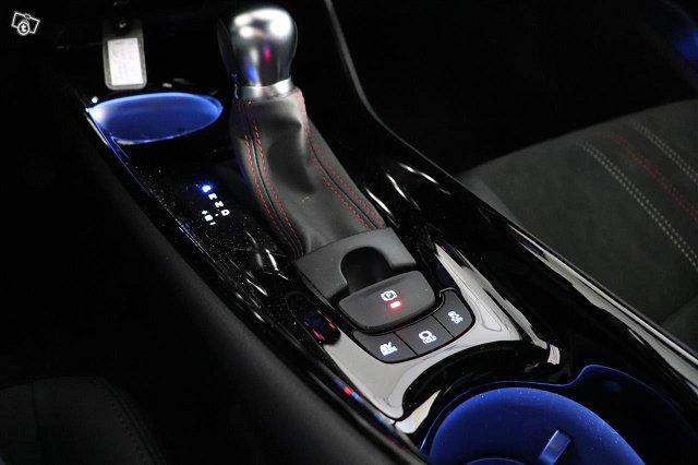 Toyota C-HR 17