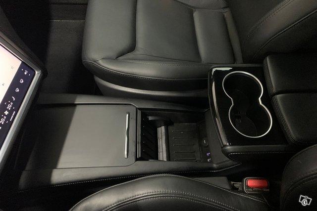 Tesla MODEL S 22