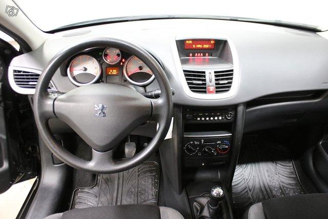 Peugeot 207 6