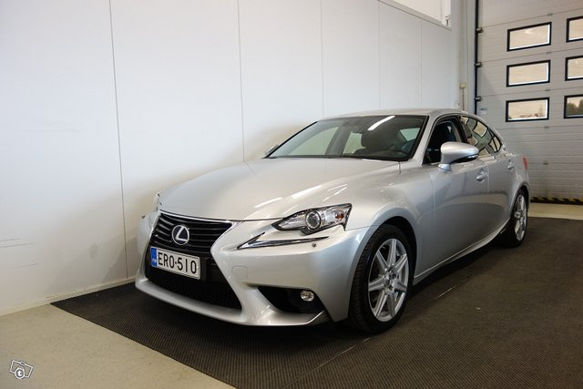 Lexus IS, kuva 1