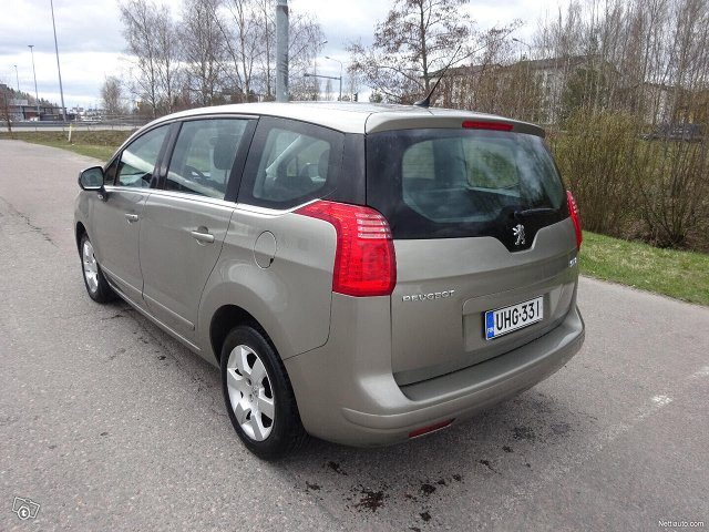 Peugeot 5008 7