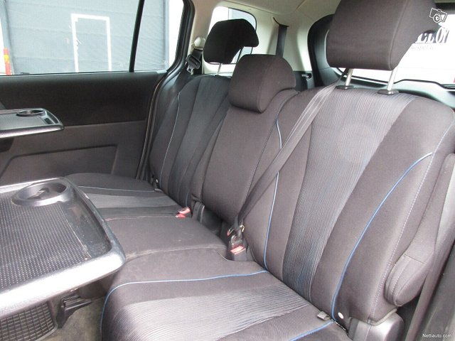 Mazda 5 9