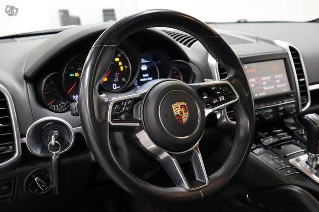 Porsche Cayenne 12