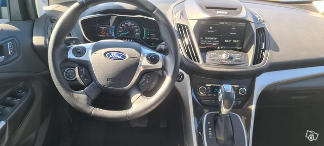 Ford C-Max 8