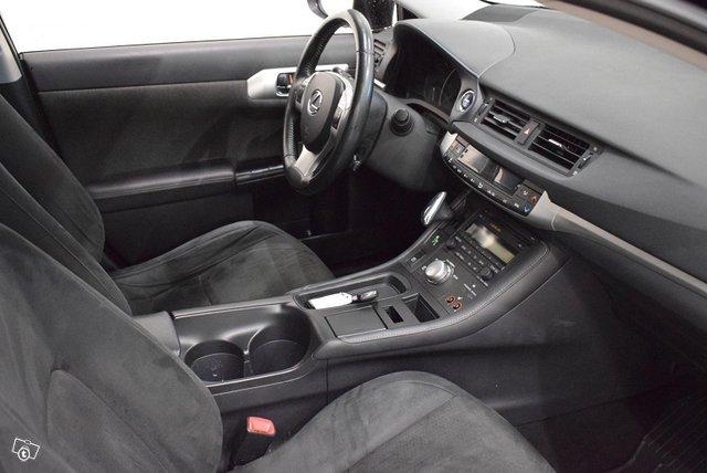 Lexus CT 13