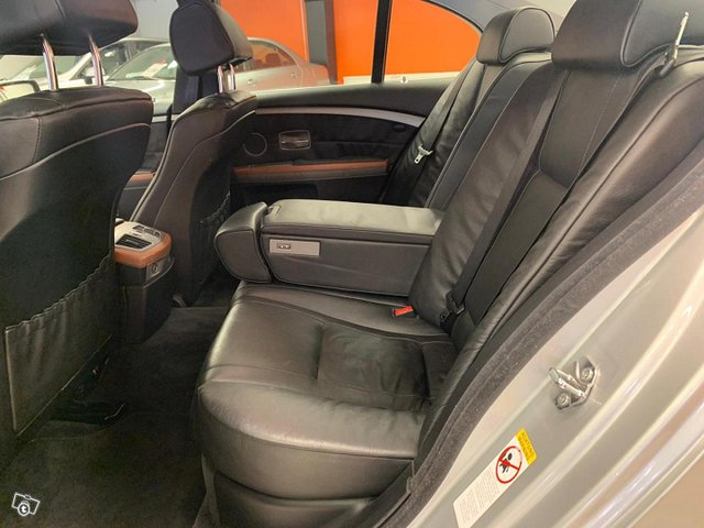 BMW 735 11