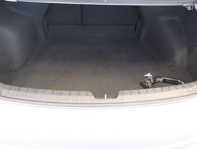 Hyundai I40 Sedan 12