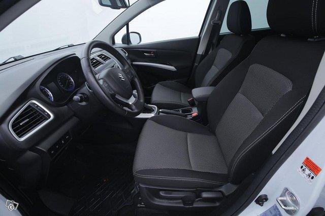 Suzuki SX4 S-Cross 7