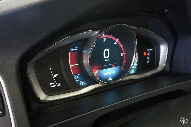 Volvo V60 19