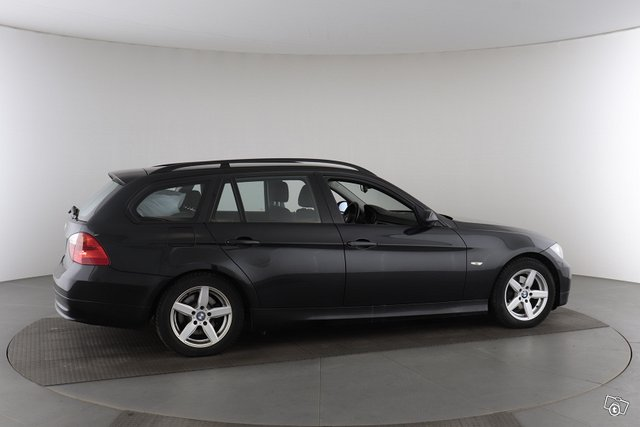 BMW 3-sarja 25