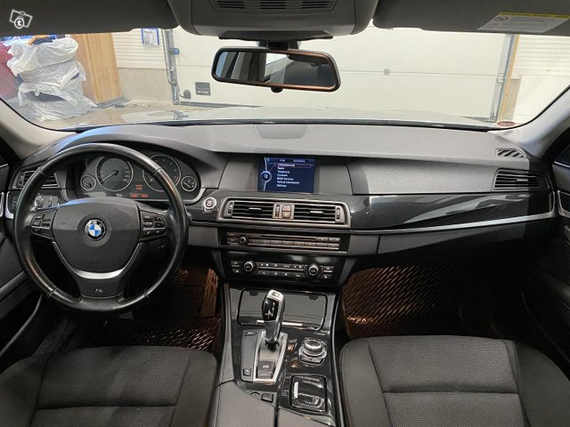 BMW 523 5