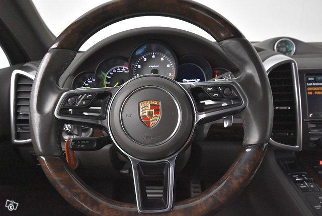 Porsche CAYENNE S E-HYBRID F 16